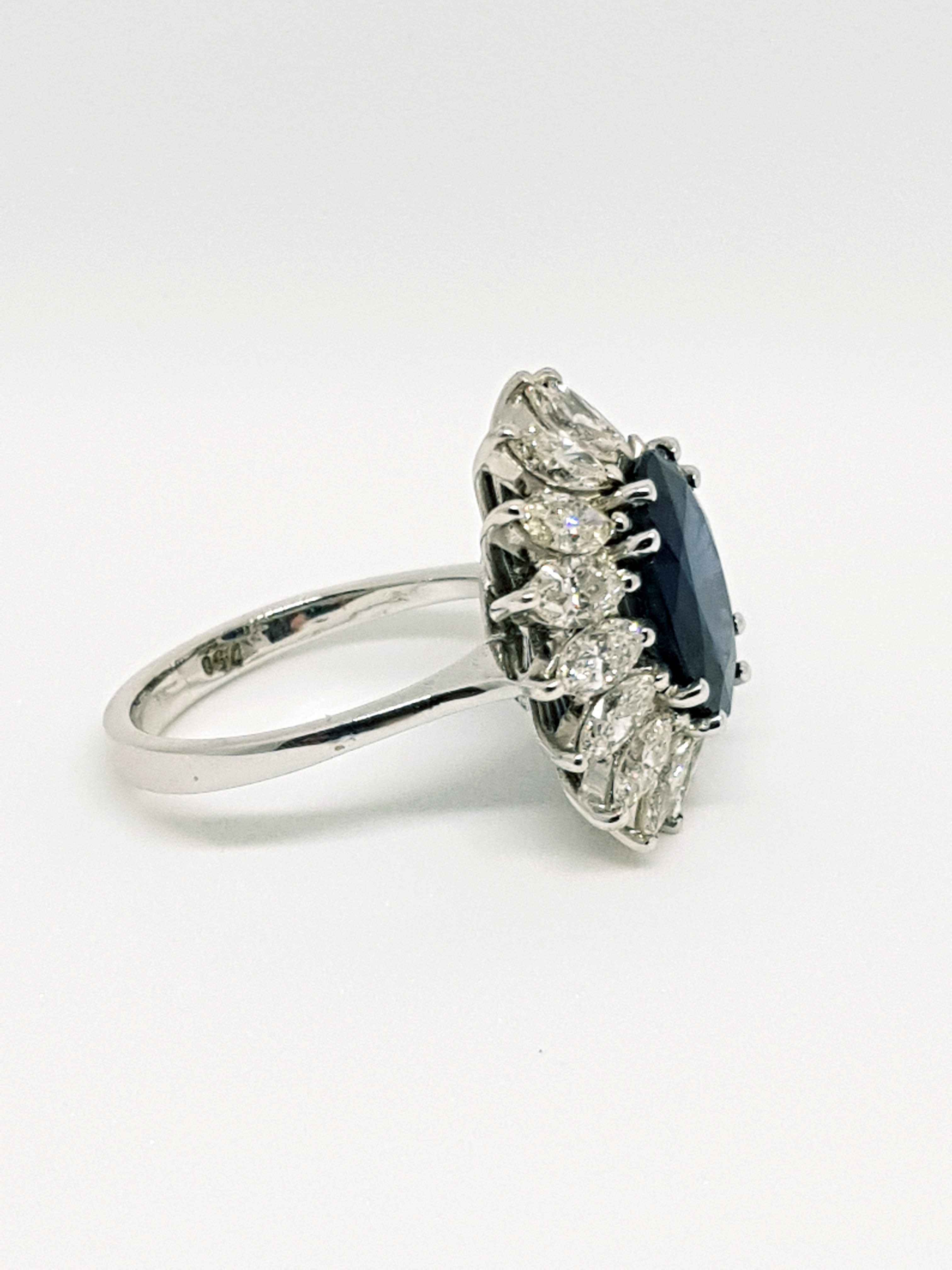 Anello con zaffiro e diamanti (3)