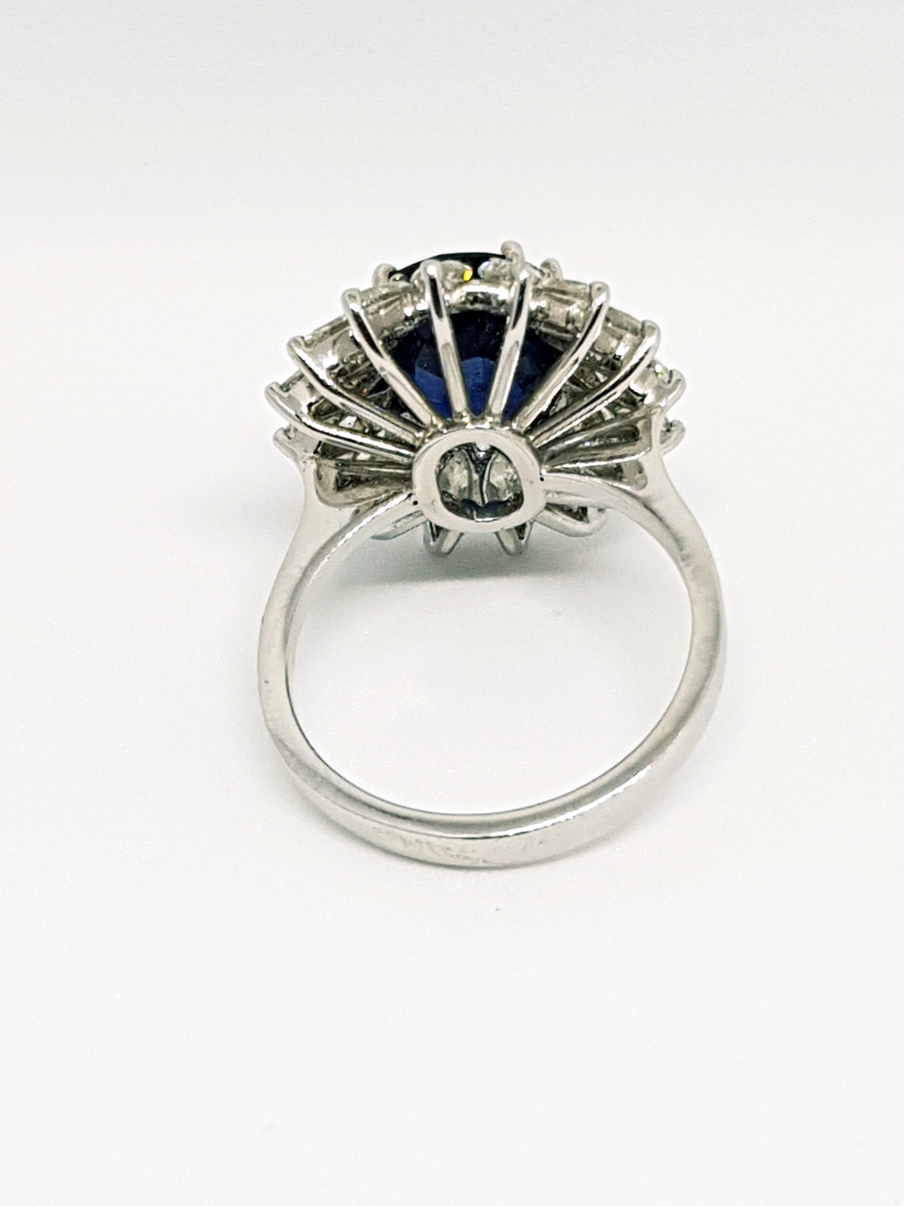Anello con zaffiro e diamanti (4)